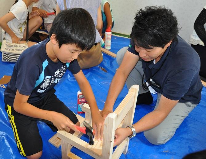 長良展示場なつまつり 大工さんと一緒に椅子作り