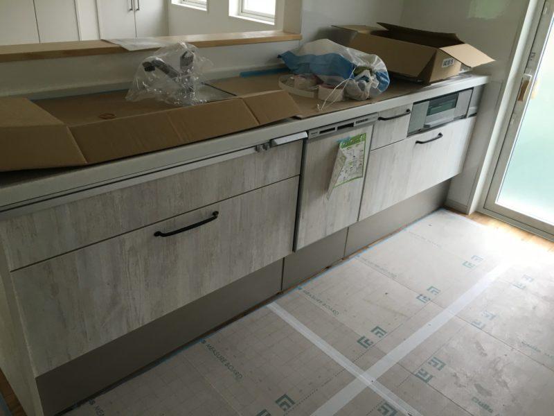 上殿岡の住宅キッチン